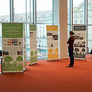 Rollups der HRC-Ausstellung in der Zentralbibliothek Dresden